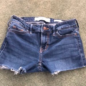 😊 5/$20 Hollister cut-off shorts 24W